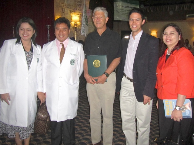 Dr. Wilner receives certificate of appreciation